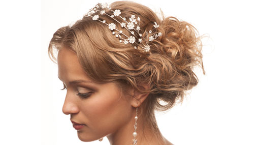 hochzeitsfrisuren kurze haare schleier perlen haarschmuck
